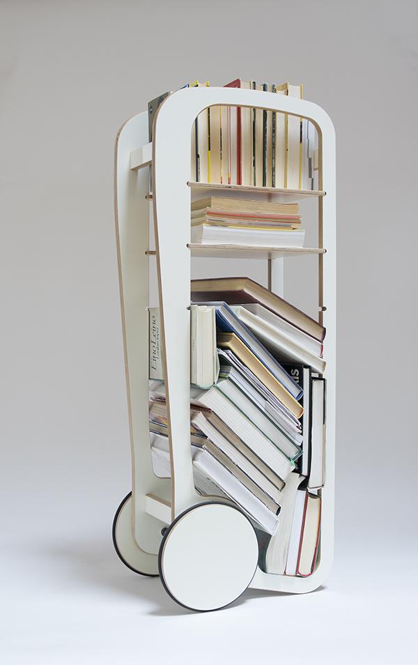 mobile book shelf / kirjahylly pyörillä