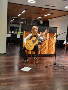 Gustavelund Kekrit Keski-Uudenmaan musiikkiopiston kitaristi